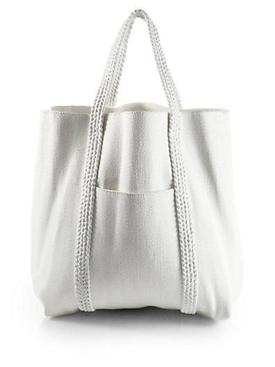 saks chloé woven beach bag. if i spent 500$ on a cotton bag so ...