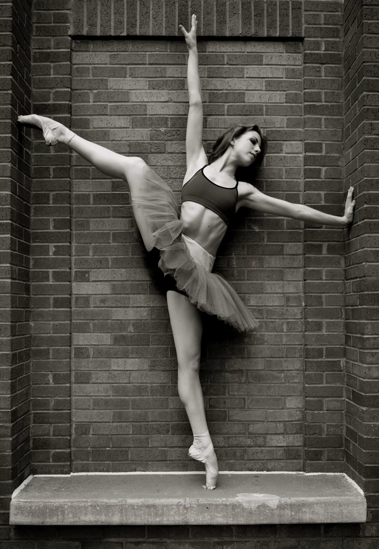 теперешняя проблема частные фотографии балерин самое