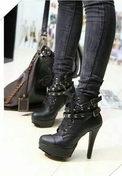 Cute ankle boots :) reminds me of timberlands but with a heel