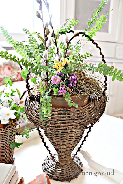 Vintage Mini Spring Baskets