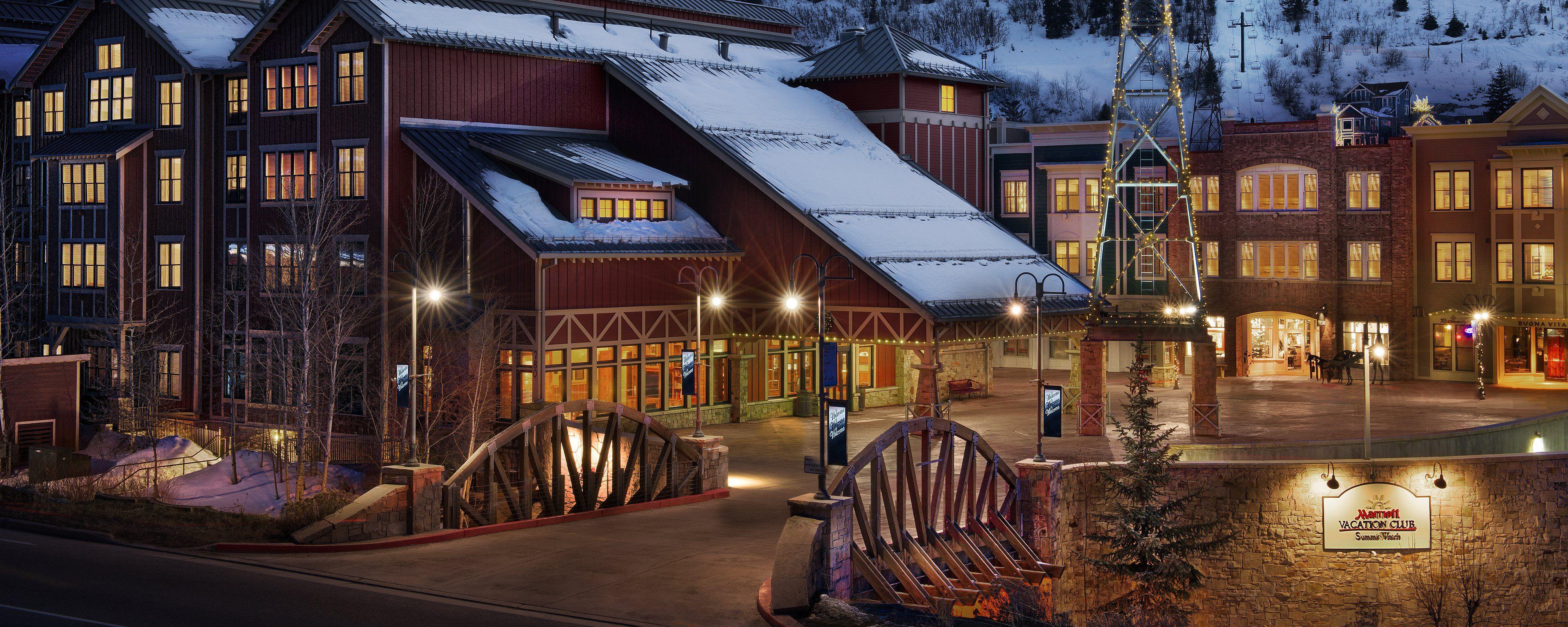 Marriott S Summit Watch Benefits From A Wonderful Location In Park