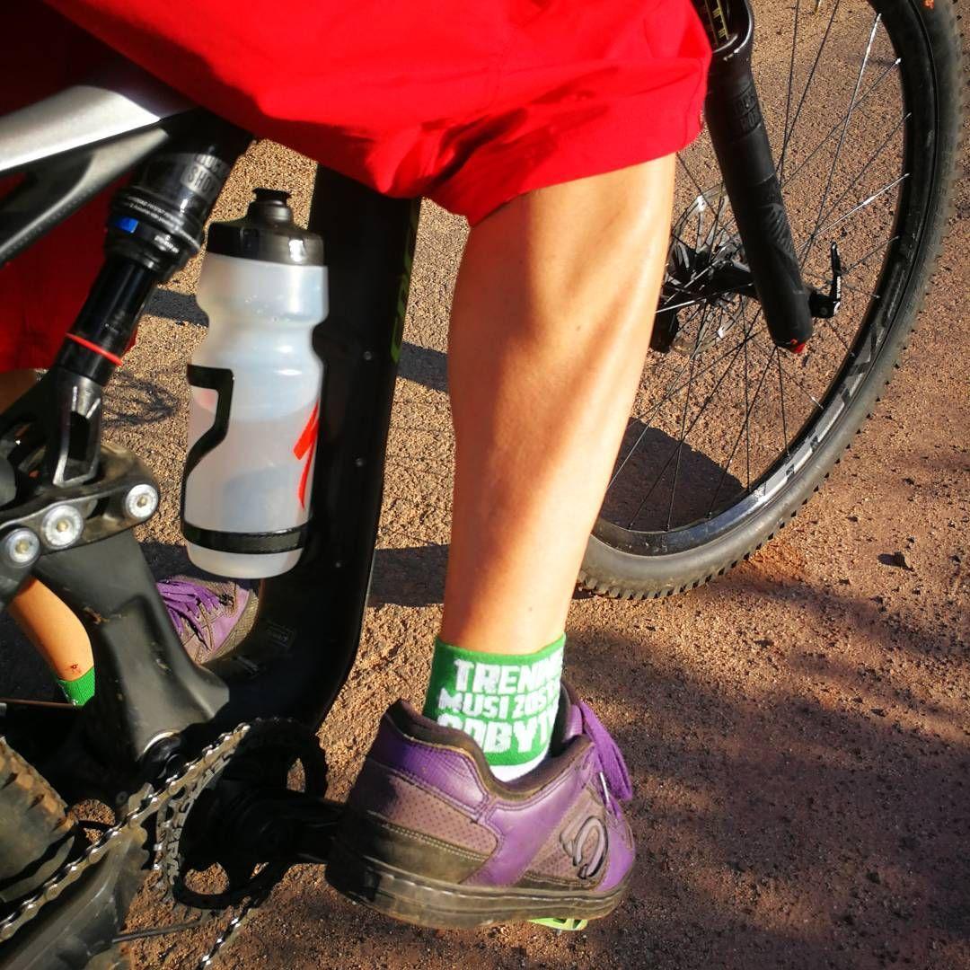 Dzis Lyda Szweda Naszego Szefa I Szefa Wszystkich Szefow Szwed Szwedowski Trening Porannytrening Treningzrana Treningzr Vibram Sneaker Shoes Sandals