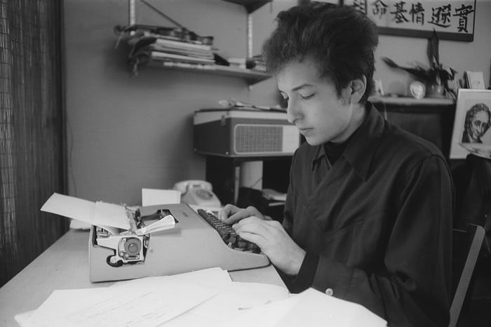 As Bob Dylan accepts his Nobel prize this weekend, an exhibition of photos of him on the cusp of international fame is planned to open in New York Bob Dylan, Pete Seeger, Joan Baez, Nobel Prize, Zimmerman, The Beatles, News, Pictures, Typewriter