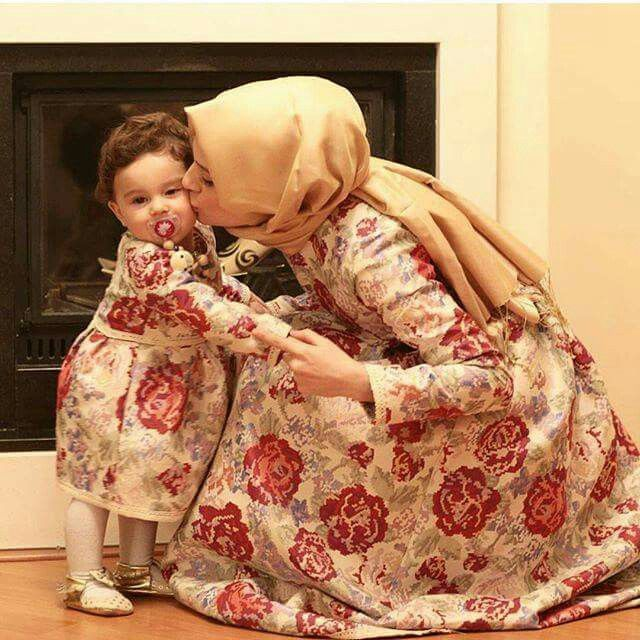 Hijab fashion | Mom and baby outfits, Mother daughter outfits, Mother  daughter fashion