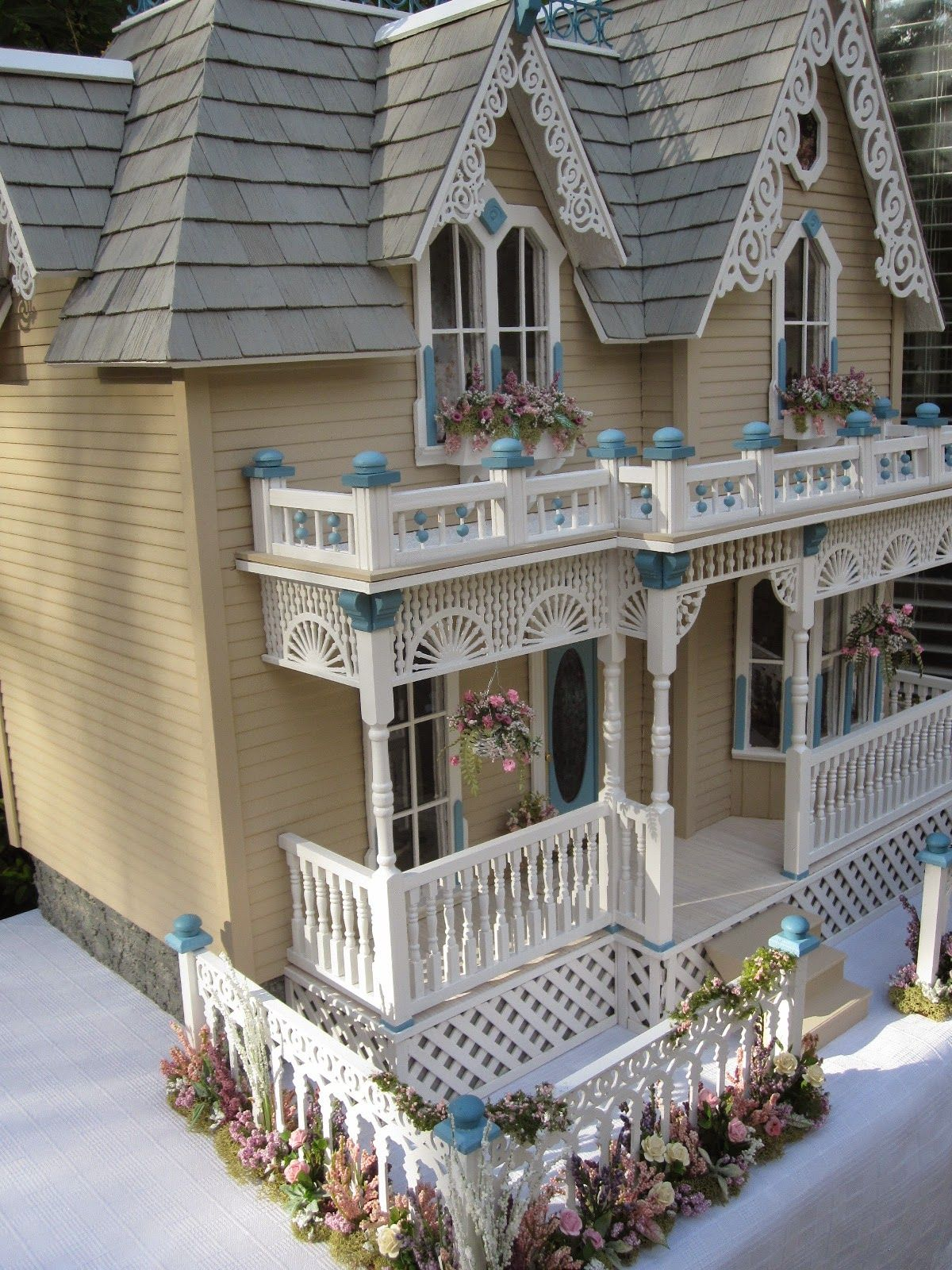 Victorian miniature houses - Dollhouses By Robin Carey The Darling House Victorian Dollhouse