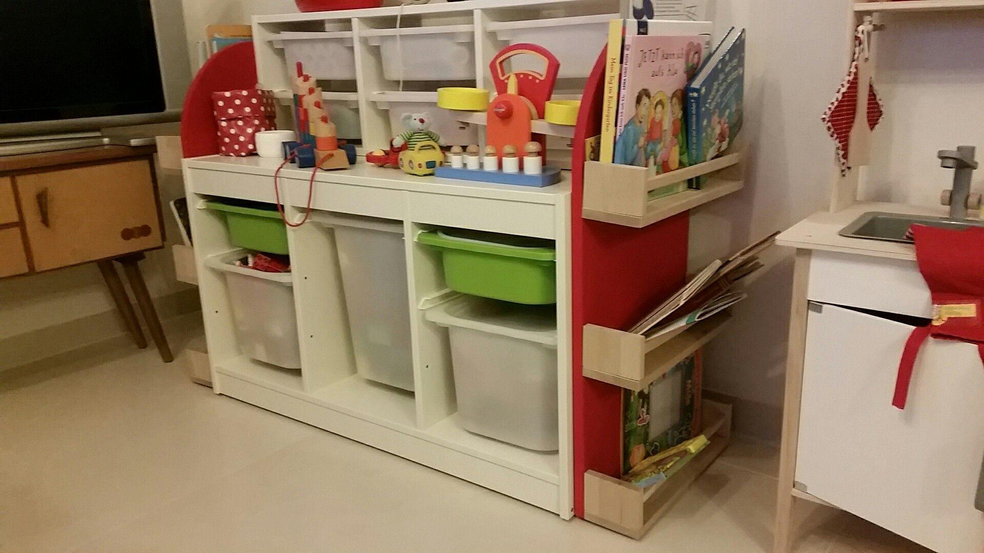 Mini Kühlschrank Für Ikea Regal : Diy spielzeugregal auf rollen aus ikea trofast und ikea