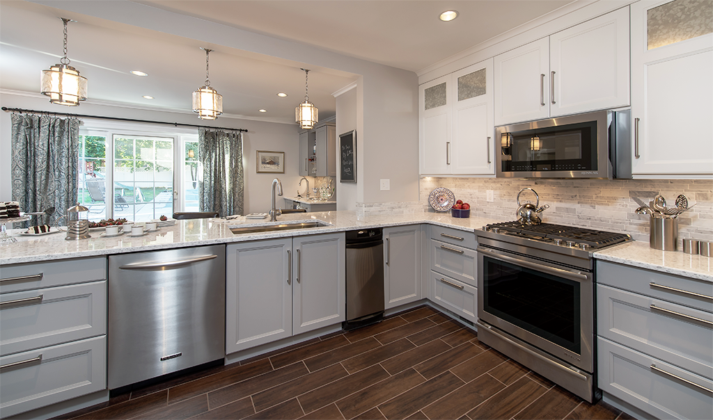 This Stunning Kitchen Features Rutt Cabinetry Entertaining Capital Kitchen Redesign In Albany Ny Kitchen Redesign Kitchen Renovation Diy Kitchen Renovation