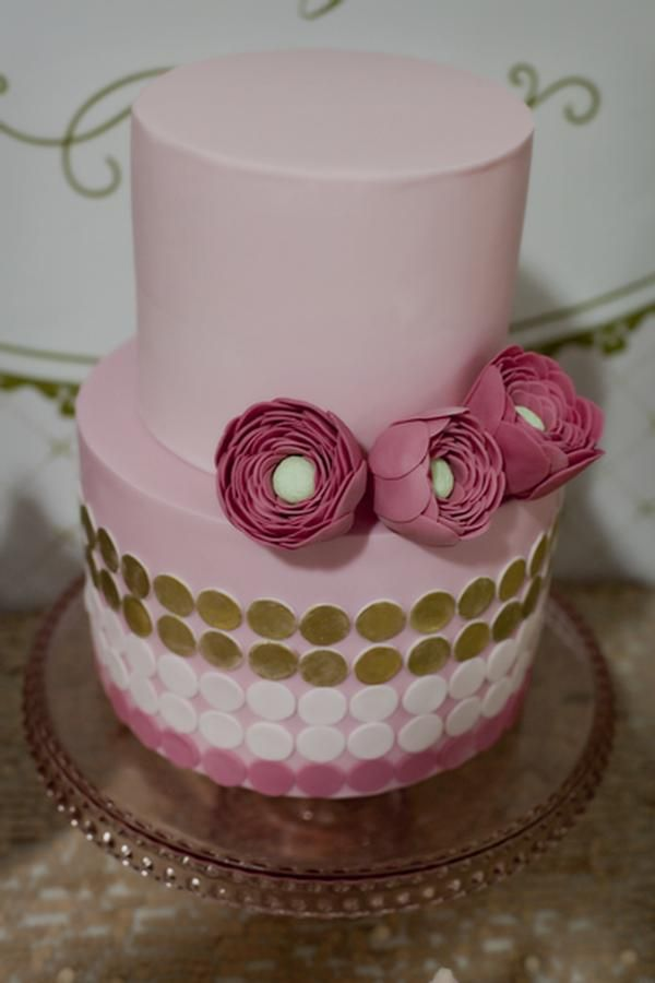 Pink and gold. Studio Cake.