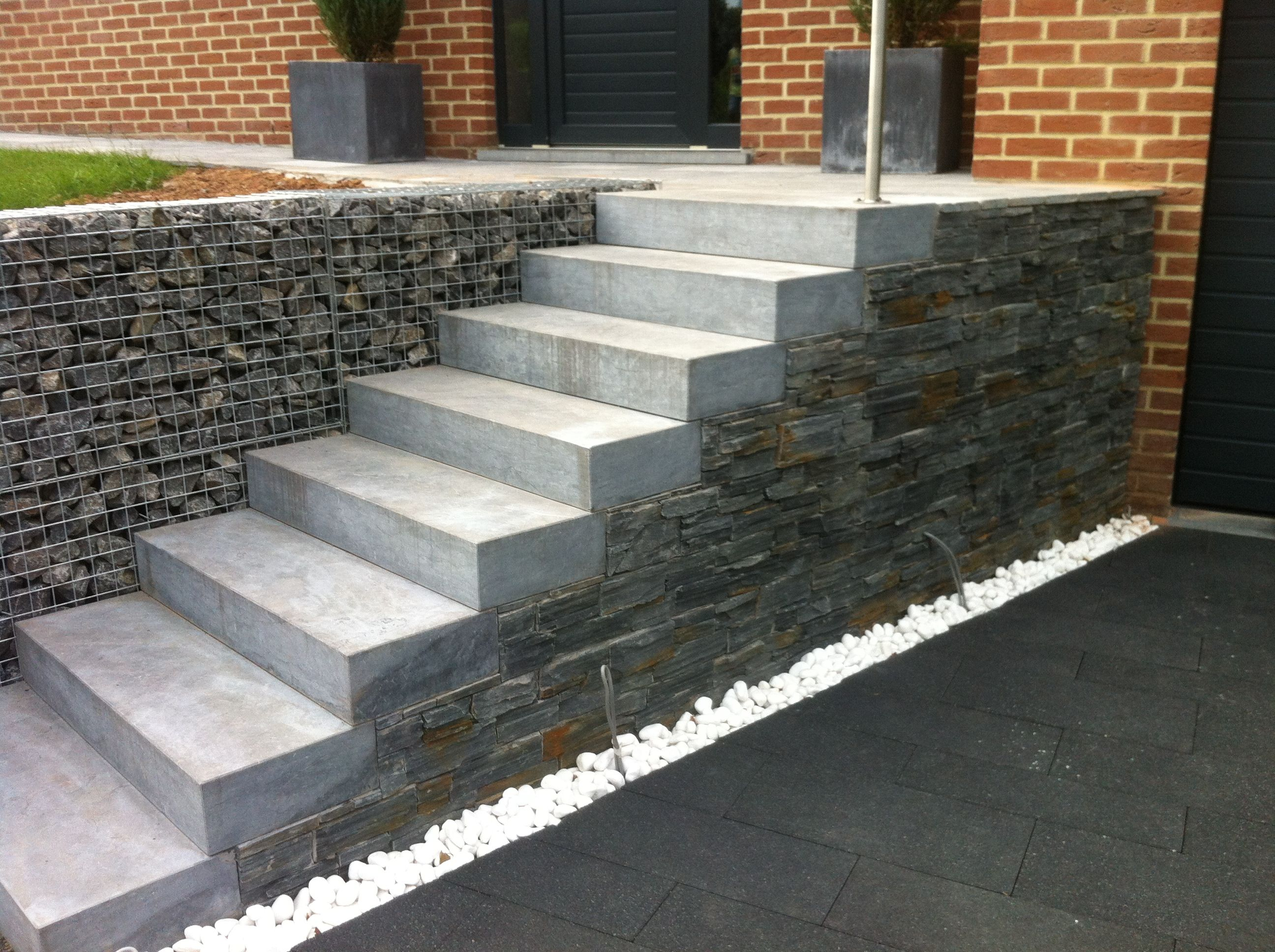 escalier pierre bleue plaquette step ladder pinterest. Black Bedroom Furniture Sets. Home Design Ideas