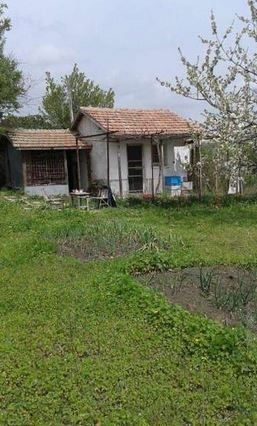 property, house in KOZARE, BURGAS, Bulgaria - 1000 sq m plot with small villa, 55 km from Burgas