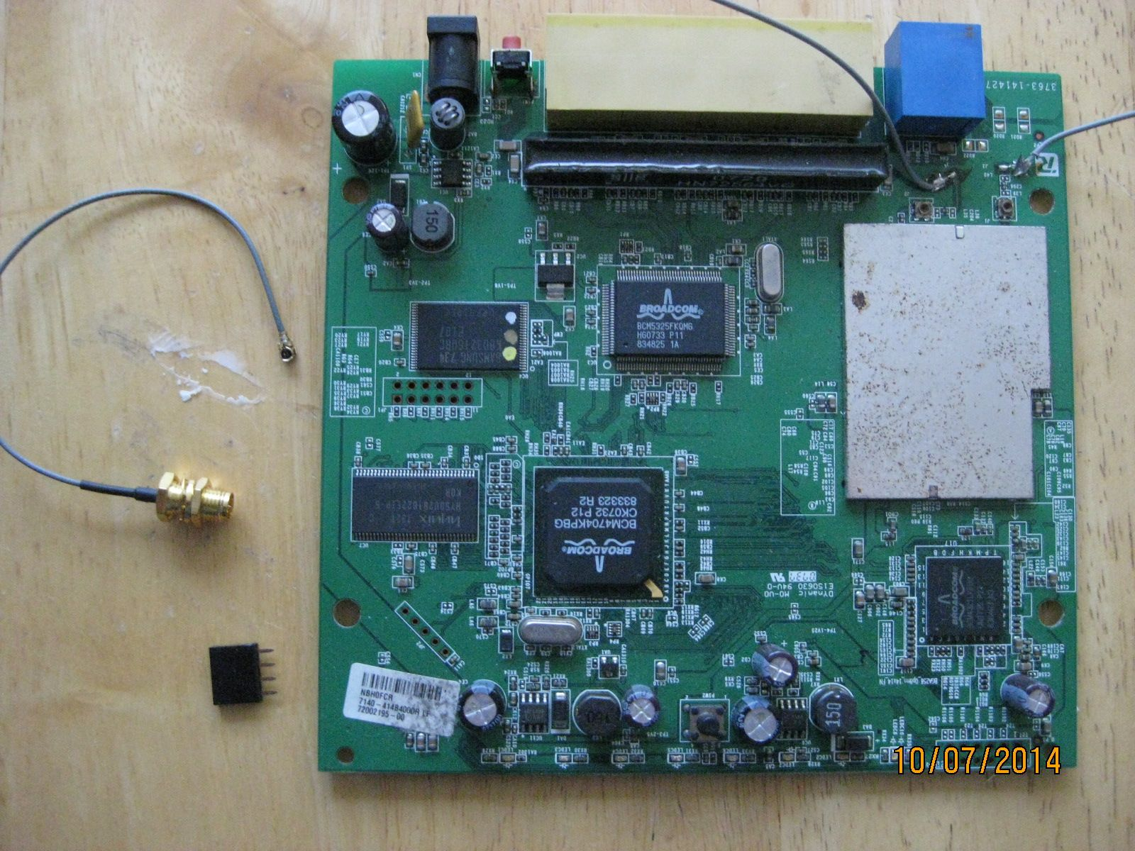 Linksys Wrt 150 N Antenna Mod Picture 1 With Rp Sma Jack Male Pin To Pigtail Ufl Female