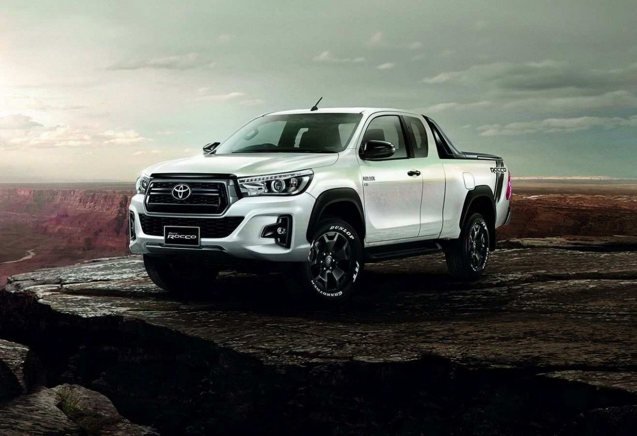 2020 Toyota Hilux Spy Pictures Exterior And Inside In 2020 Toyota Hilux Toyota Toyota Land Cruiser Prado