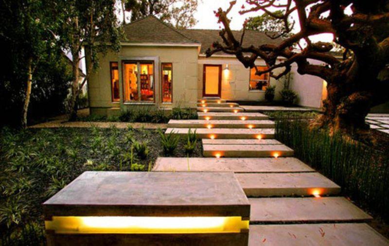 Get A Perfect Beauty With The Best Landscape Lighting Design Ideas Walkway Modern De Garden Lighting Design Outdoor Lighting Design Landscape Lighting Design