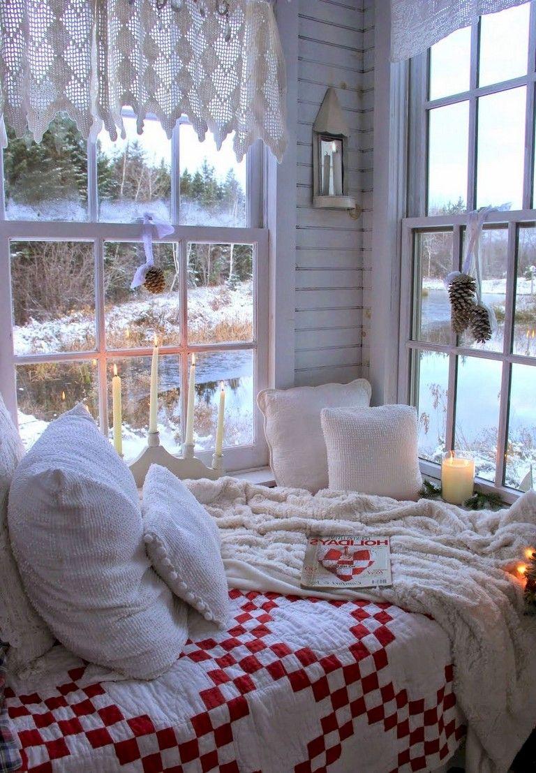 47 inspiring comfy christmas bedroom ideas bedroom christmas rh pinterest com