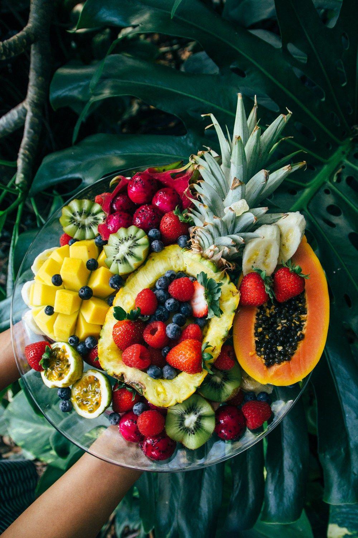 a big hawaiian fruit bowl a threeredbowls celebration forktobelly fruit platter designs fruit bowl display fruit a big hawaiian fruit bowl a