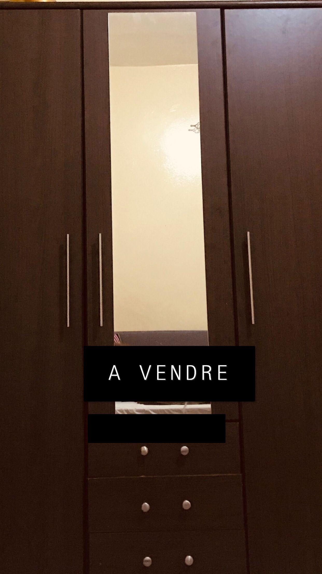 Armoire Bonjour Vendre Armoire 3 Battants Vendre Avec Miroir Deuxi Me Main Merci De Me Contacter Kebetu Dakar Senegal Armoire Miroir A Vendre