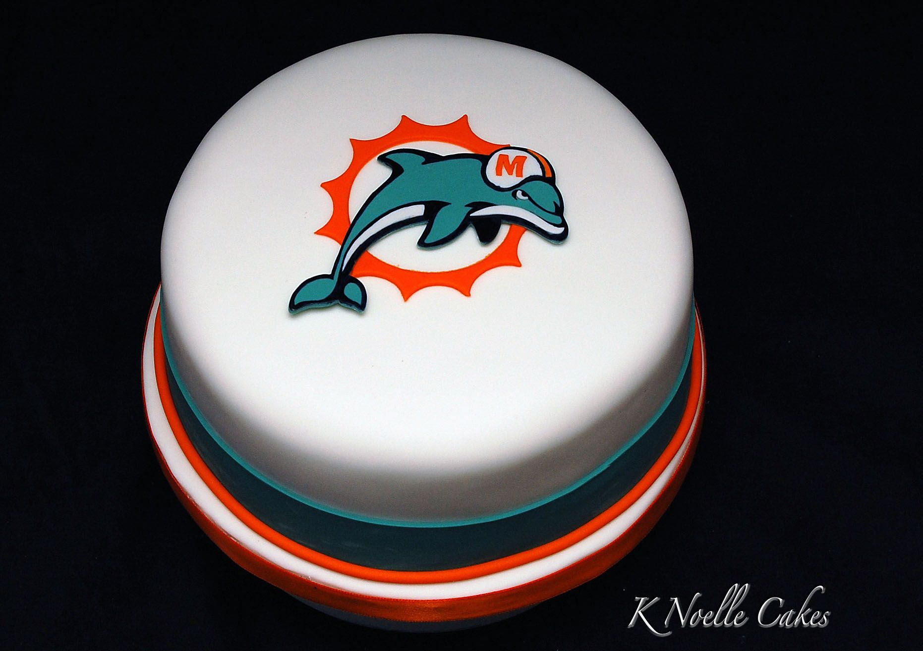 Miami dolphin cake by k noelle cakes miami dolphins cake