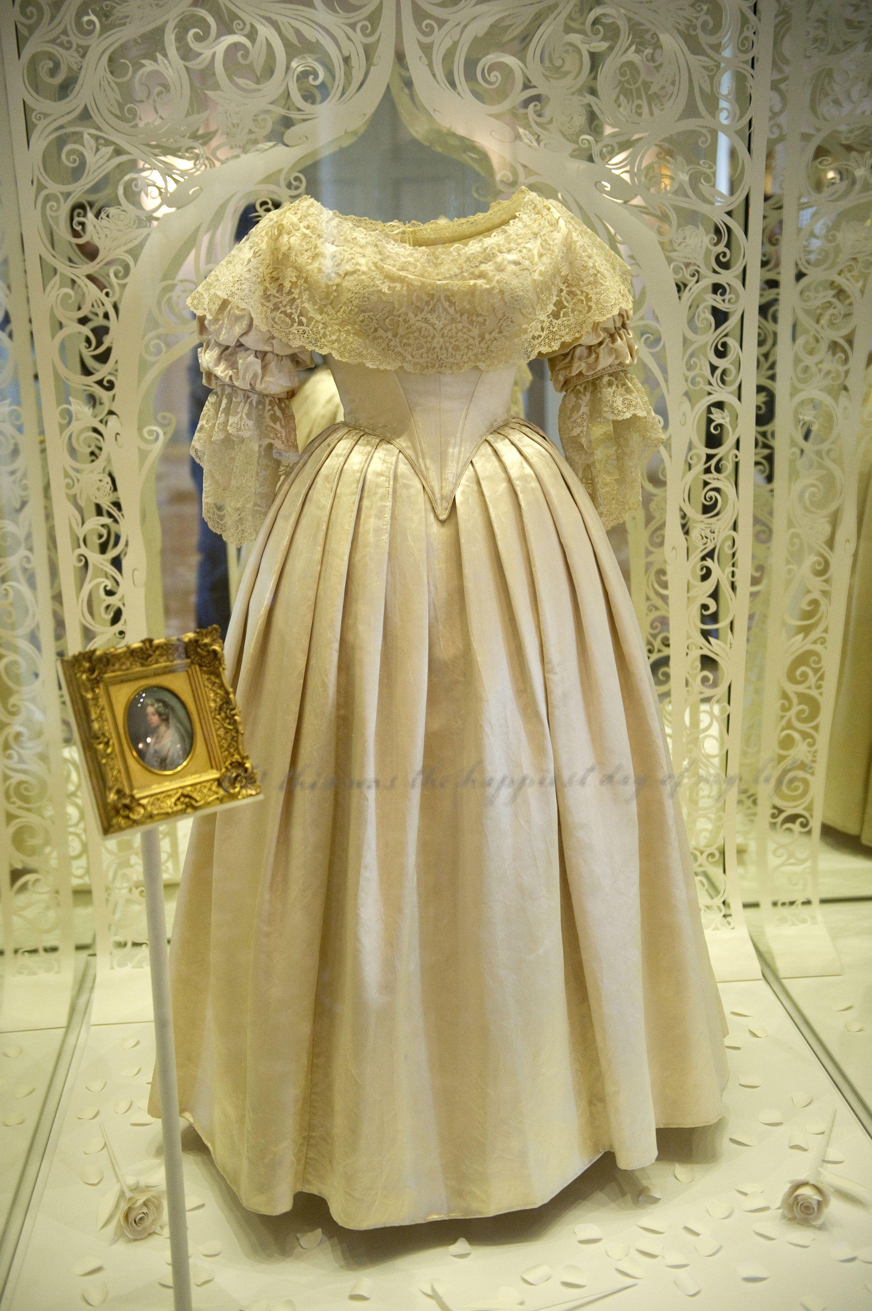 The 16 Most Unique Wedding Dresses Ever