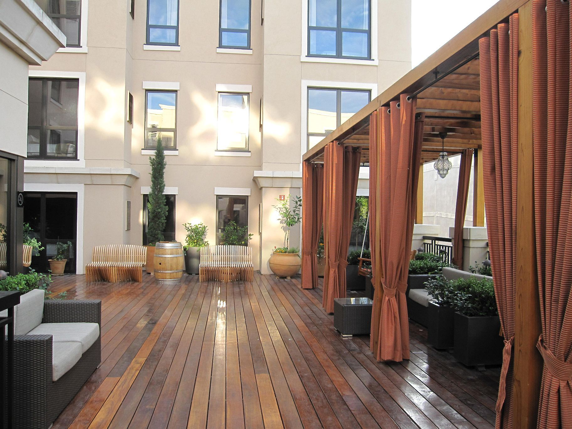 Hotel Andaz Rooftop Oasis Downtown Napa Ca Sparkling Wine Country Is Only Minutes Away