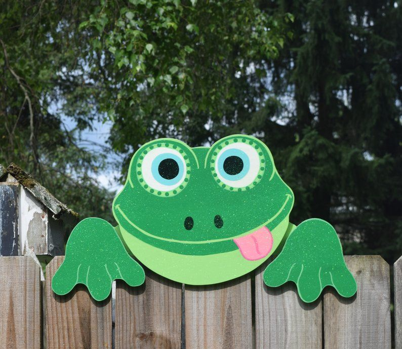 Frog fence peeker frogs fence decoration frog fence art