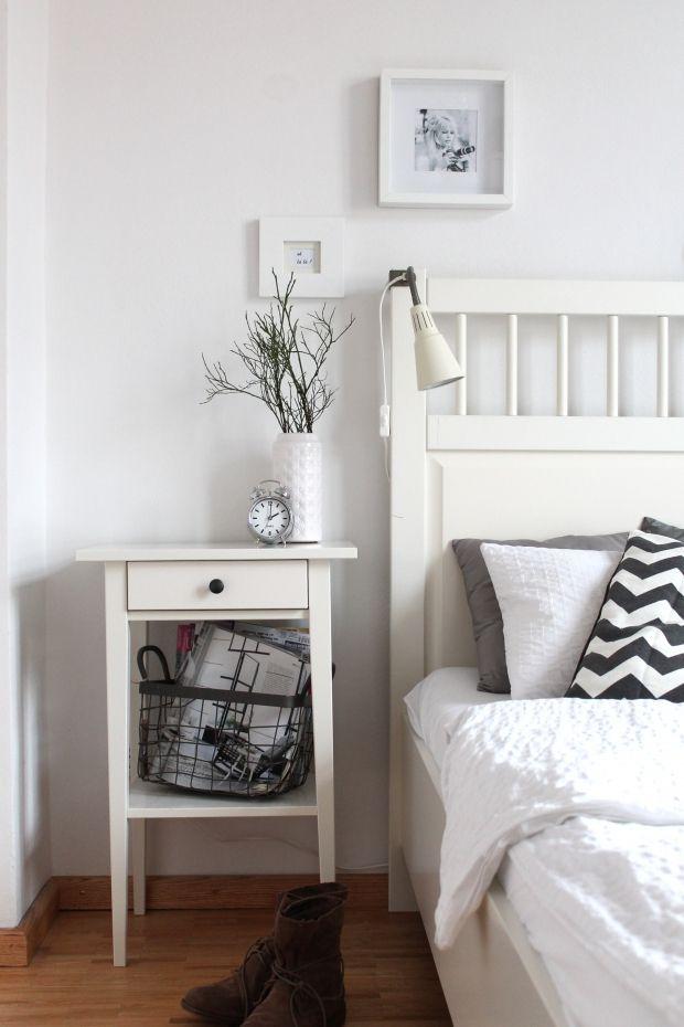 Einfache Dekoration Und Mobel Schlafzimmer Gestalten #24: Schlafzimmer In Weiß: Eine Inspiration Für Schlafzimmer Ein Schlafzimmer  Kann Man Ganz Einfach Mit Möbel Von Ikea Einrichten Und Dekorieren.