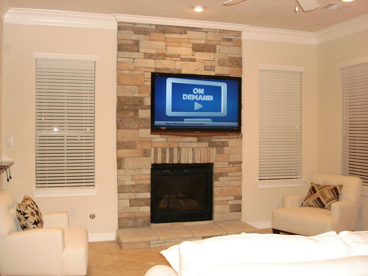 tv mounted over fireplace ideas | ABOVE THE FIREPLACE TV ...