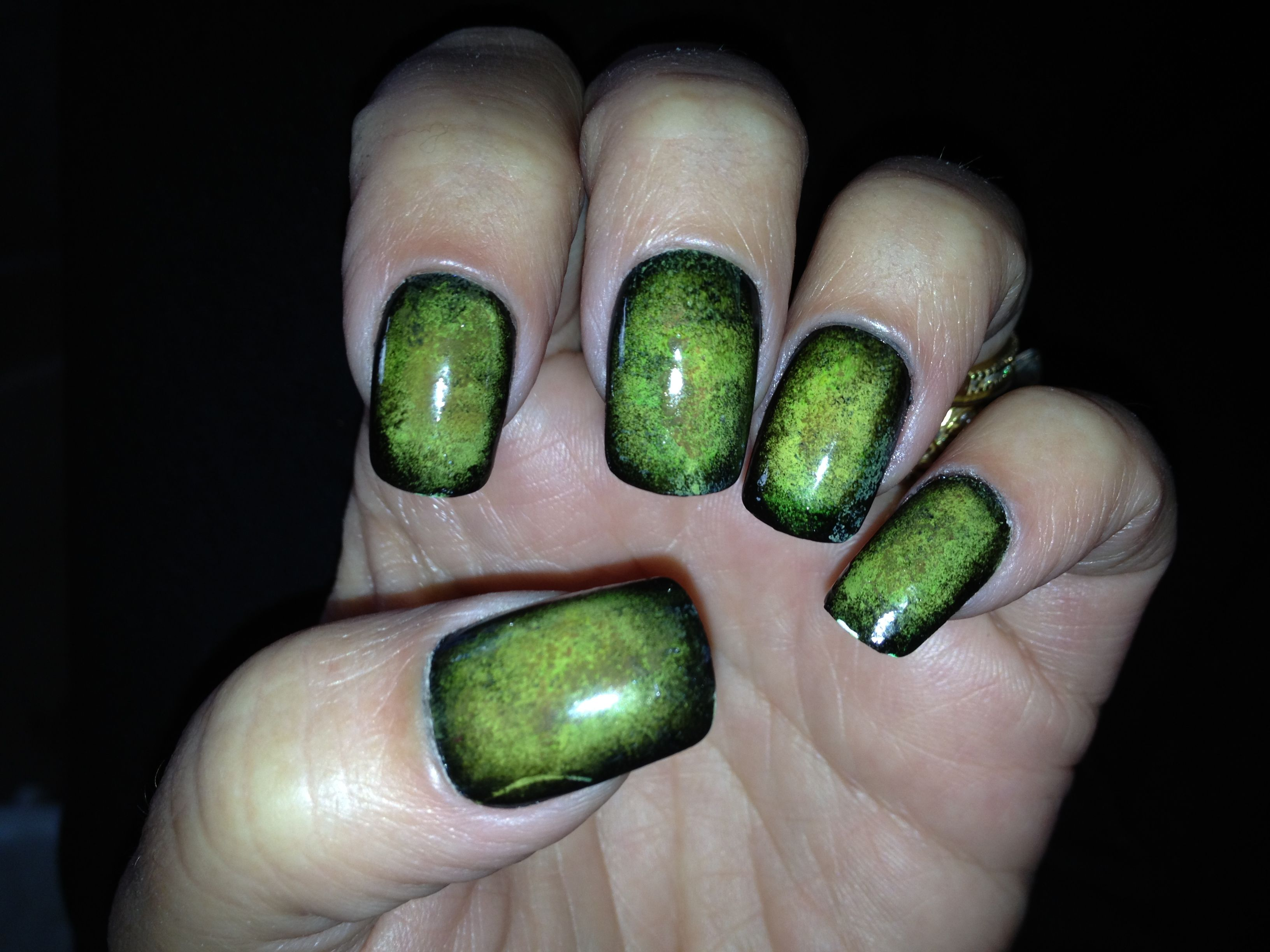 Zombie Nails #nails #manicure #halloween | Nails | Pinterest | Garra ...