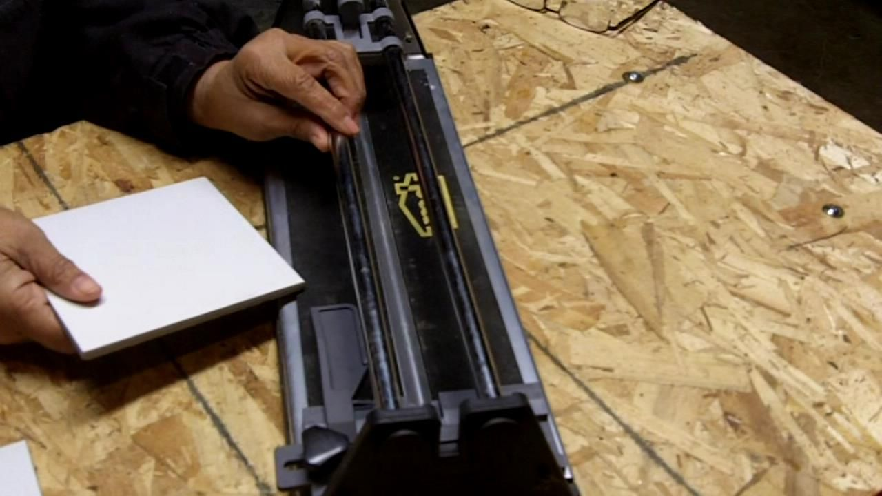 How To Use A Manual Tile Cutter Tile Cutter Tiles Cutter