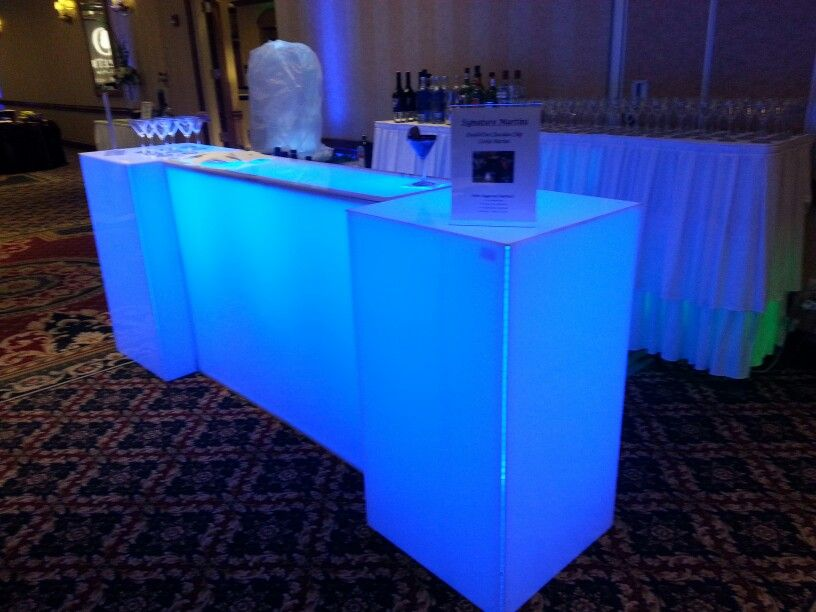 Acrylic Light Up Bar Rentals In Chicago Two Accent Acrylic Tables Added To Extend The Bar Acrylic Table White Bar Bar