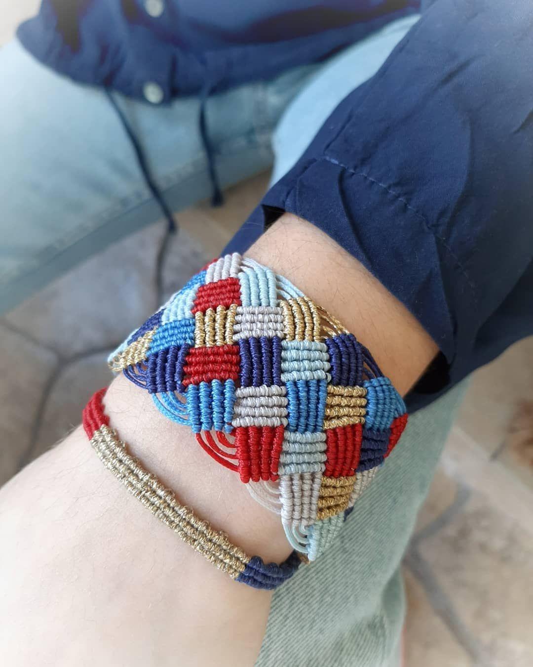Bracelet#handmade#handcrafted#woman#macrame#waxcord#accessories#cuff#instalove#macrameart#macramelove#blue#bohostyle@sophia_jewlsandmore