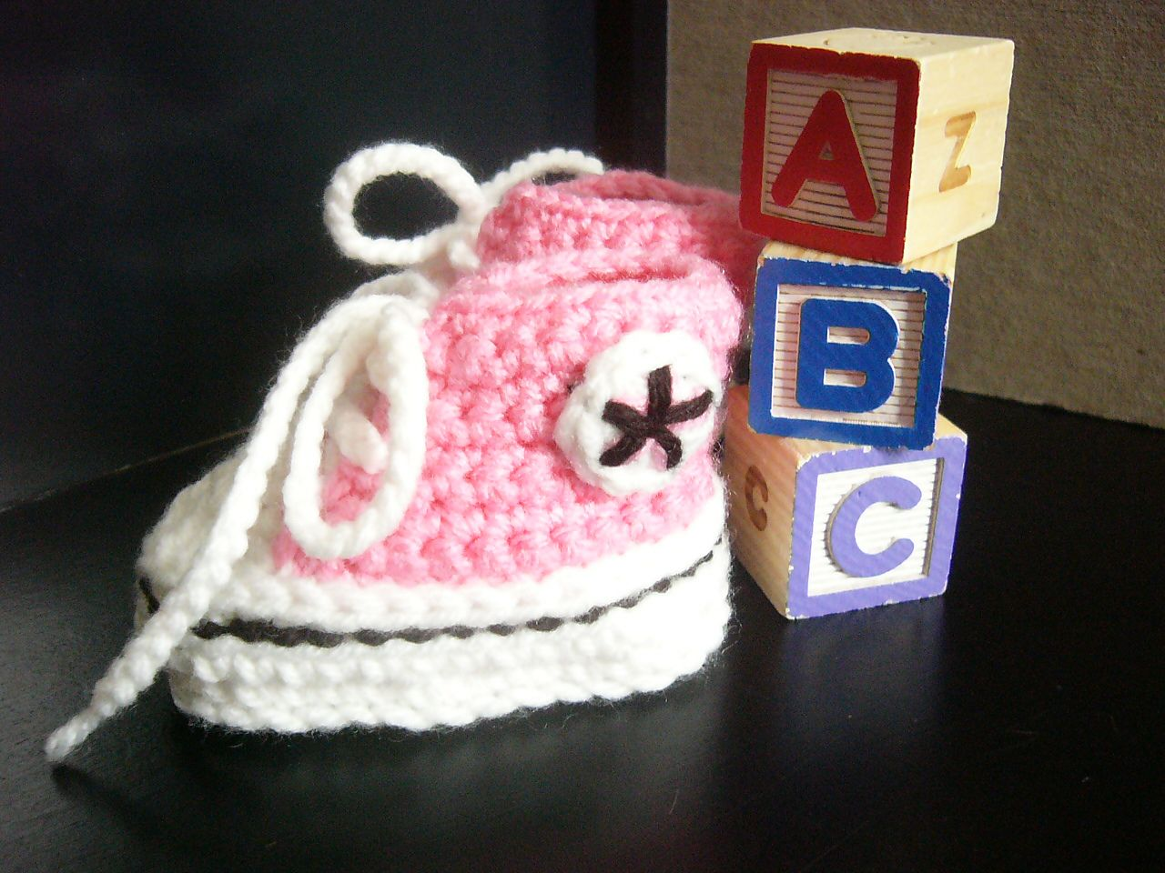 Ravelry  Baby Converse by Suzanne Resaul  99ba6f610