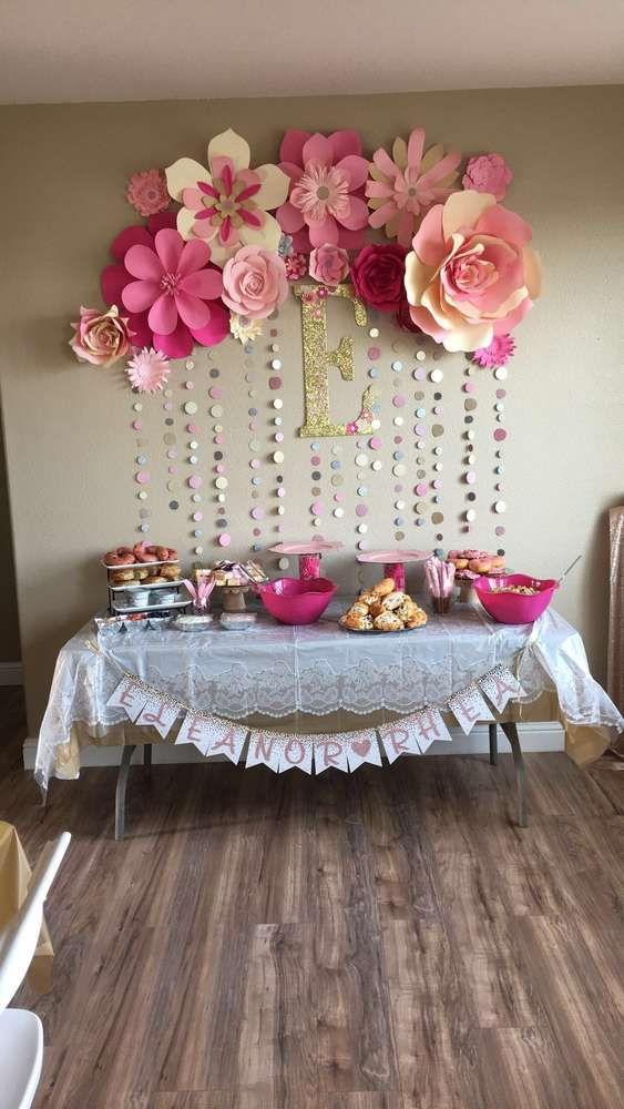 Pink and gold baby shower party ideas gold baby showers for Baby shower decoration ideas for girl