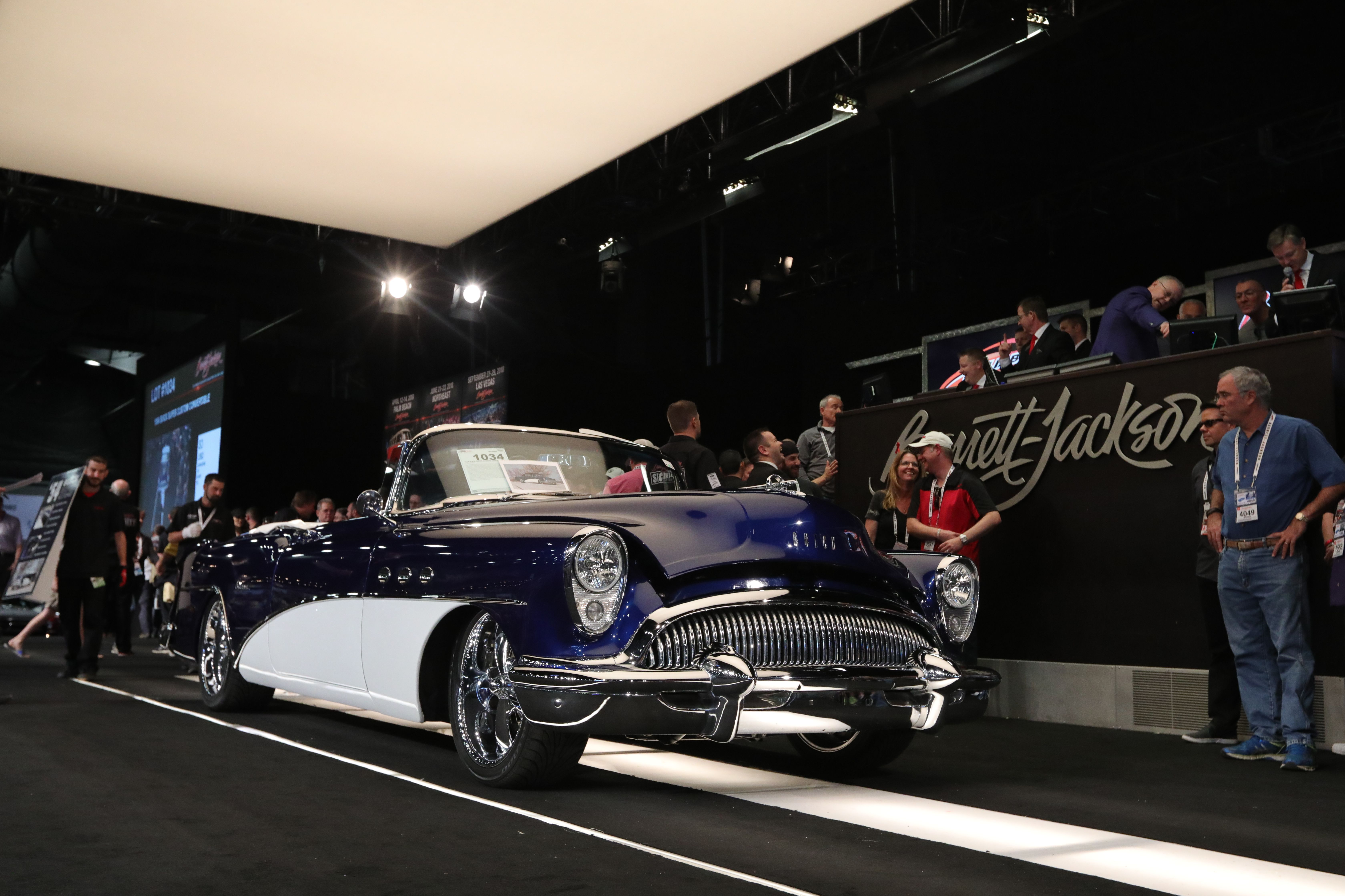 1954 Buick Super Custom Convertible This 1954 Buick Super Custom Convertible Has Been Updated With A Brand New 6 0 Liter Ls2 Engin Buick Cars Usa Convertible
