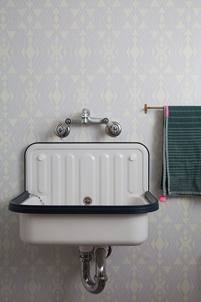 The Cutest Vintage Sink The Wallpaper And Towel Are