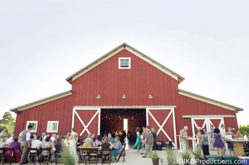 Jenny Charlie Shively Barn Hillsboro Oregon Farm Wedding Photos