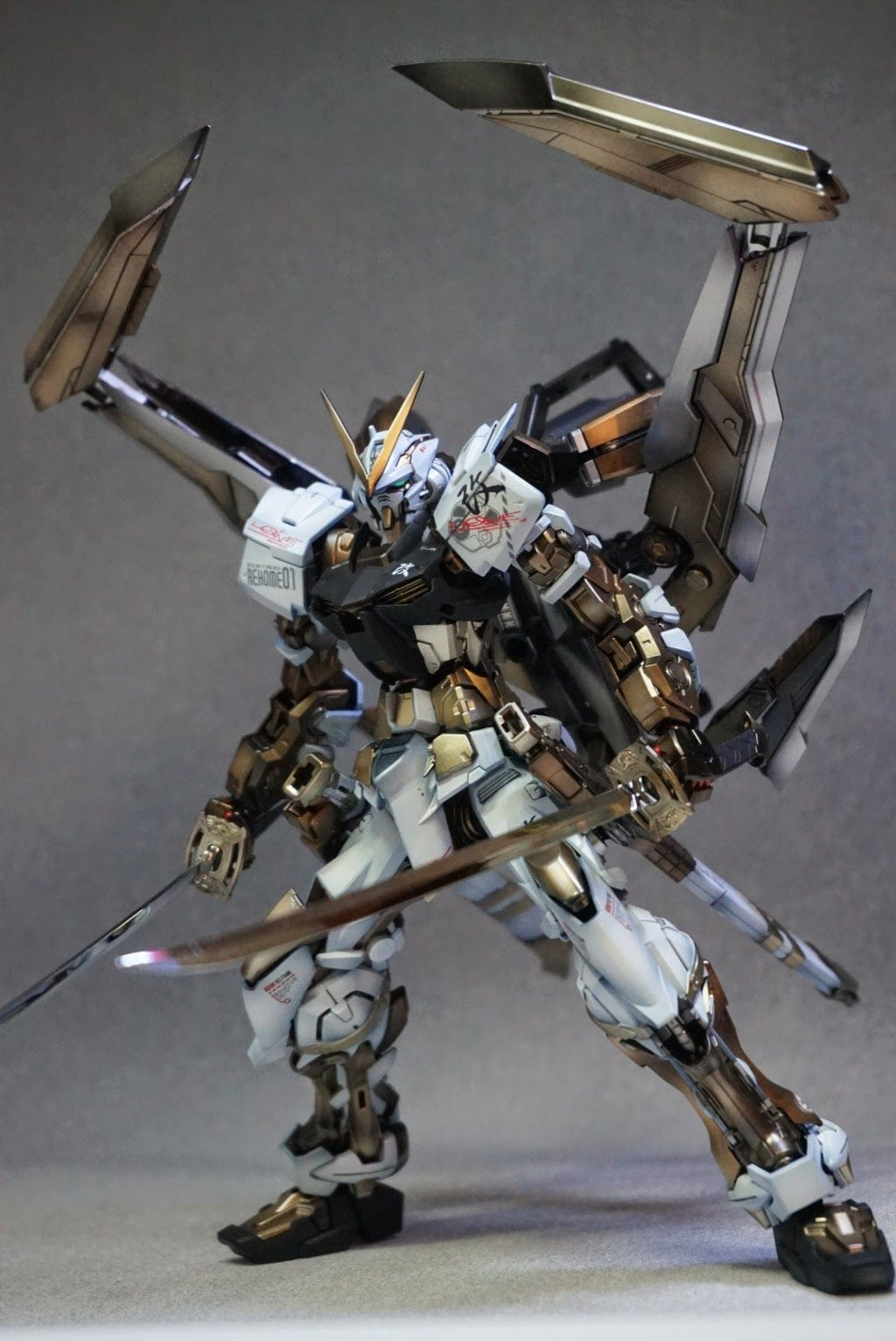 MG 1/100 Astray Gold Frame Kai - Painted Build Images via fg-site.net