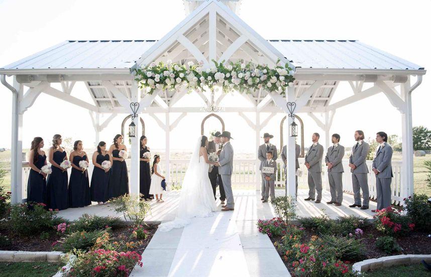 Rustic North Texas Wedding Venues Venue Willow Creek Photography Rebecca Chesney Bridesofnorthtx Rusticranch