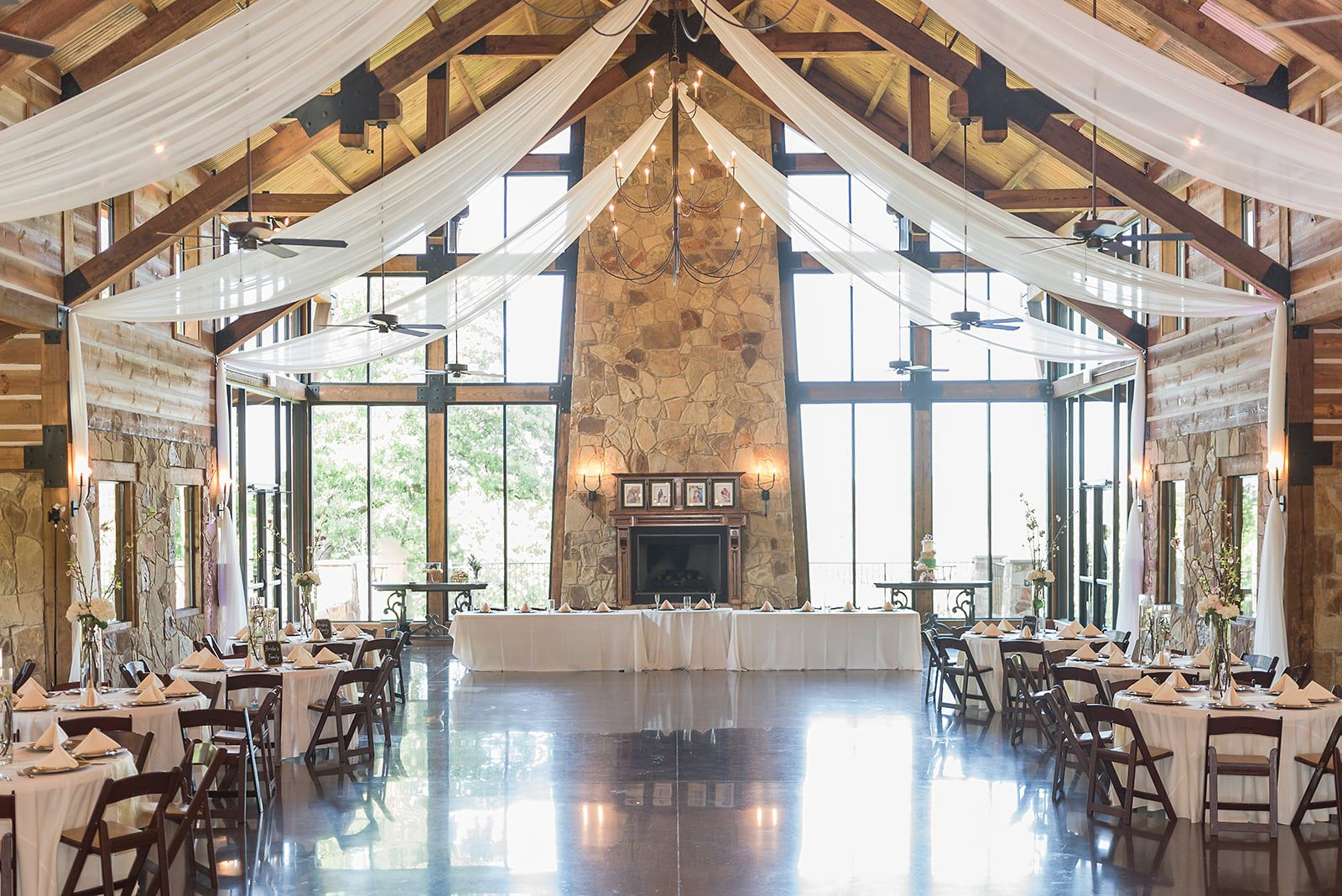 Wedding At The Springs Venue In Aubrey Texas The Lodge Photography Courtesy Of Rebecca L Jones Wedding Venues Texas Dfw Wedding Venues Best Wedding Venues