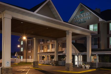 Country Inn Suites With Images Country Inn And Suites