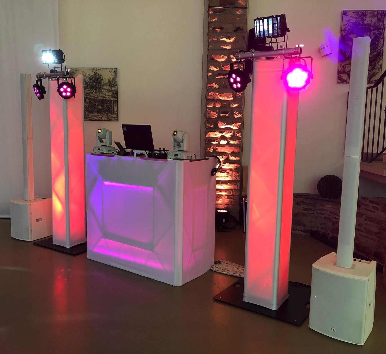 Hochzeit In Der Festhalle Siegen Wilnsdorf Beatpoet Dj Aufbau Mit Hussierten Trusstandern Dieser Aufbau Hat Komplett Mit De In 2020 Novelty Lamp Lava Lamp Lamp