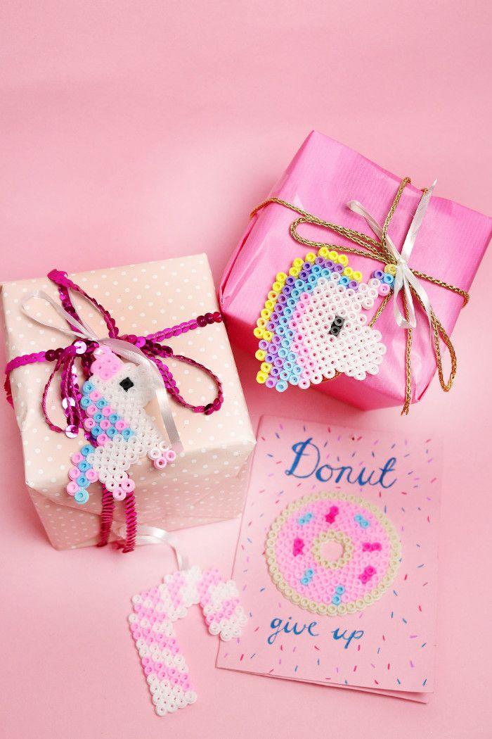 geschenke kreativ verpacken f r weihnachten einhorn ideen mit b gelperlen pinterest. Black Bedroom Furniture Sets. Home Design Ideas