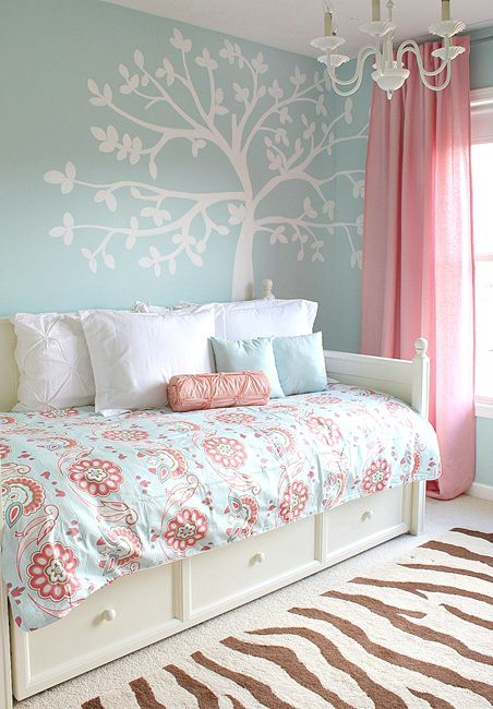 Paint a tree mural using chalk and a projector Beautiful pink and blue colors for a girl room