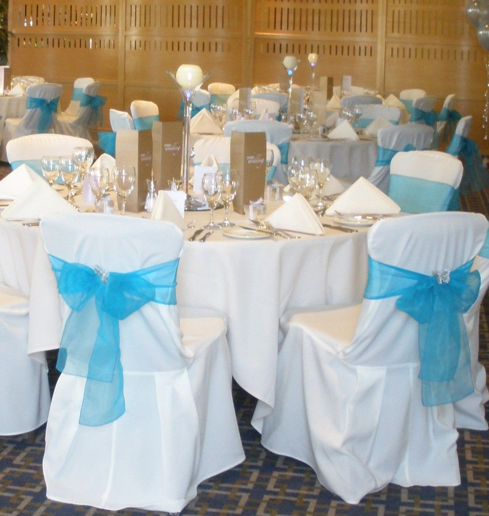 Clic Ivory Chair Cover With Turquoise Tiffany Blue Organza Sash Gold Runners