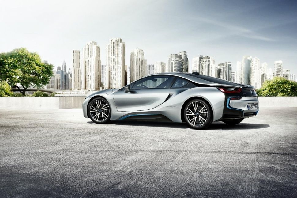 Bmw I8 Has Lasers For Headlights And A Key Fob That S Smarter Than