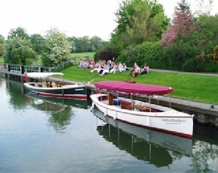 f08ff5e409d8642cad26acd1b3162733 - Thames River Boat To Kew Gardens