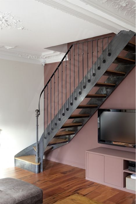 Photo Dt99 Esca Droit 1 4 Tournant Bas Escalier Interieur