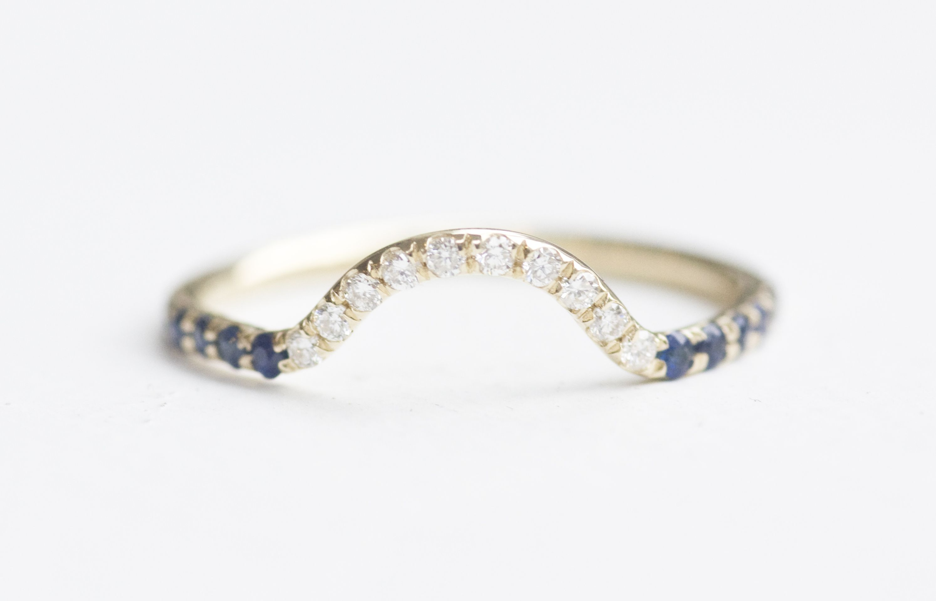 white and bands diamond gold ring sapphire carat