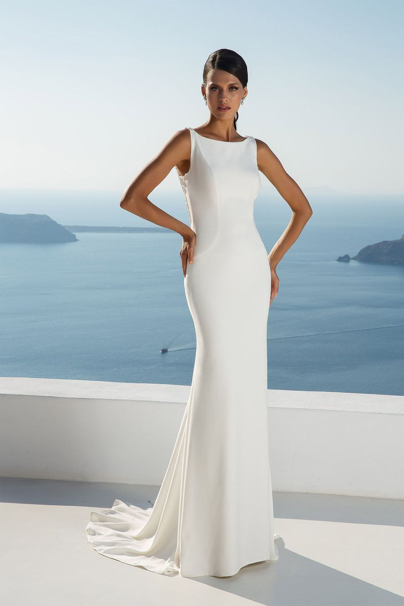 Justin Alexander Style 88024 Crepe Fit And Flare Gown With Illusion Back De Justin Alexander Wedding Dress Destination Wedding Dress Justin Alexander Bridal