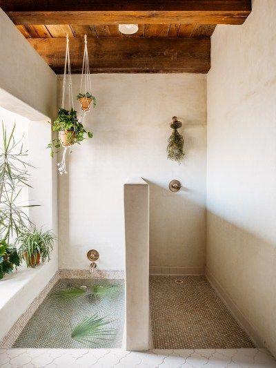 open floor plan bath/shower