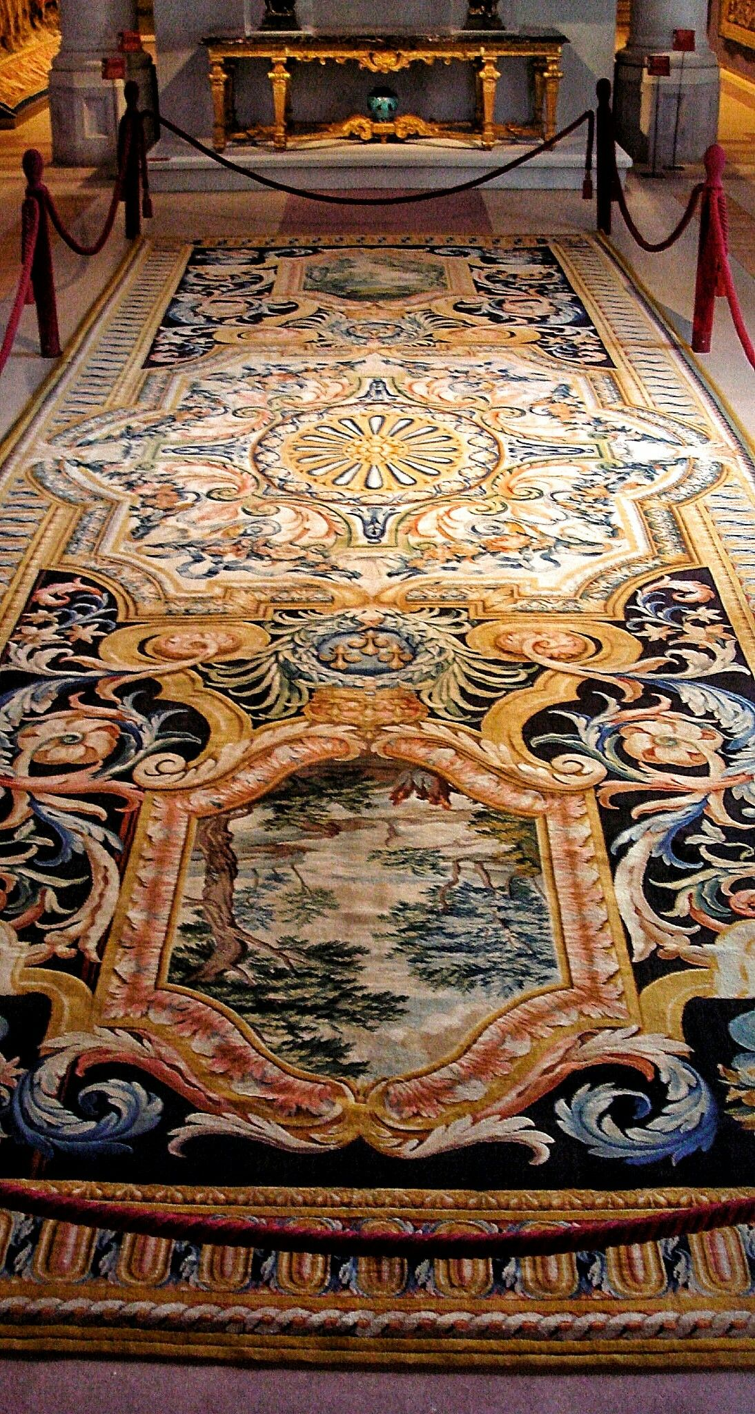 Grande Gallerie Du Louvre Carpet No69 Made In The Savonnerie Between 1670 And 1685 On Display At The Gobelins Manufactory Tapis Persan Savonnerie Antiquite